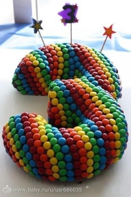 Картинки украшения торта конфетками ммднс