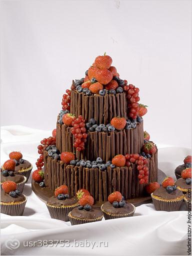Торт с трубочками из шоколада 14