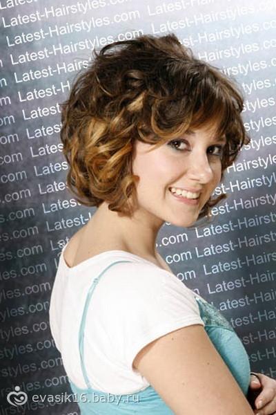 Прически на круглое лицо волнистые волосы