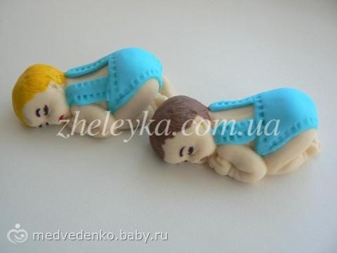 Фигурка малыша из мастики