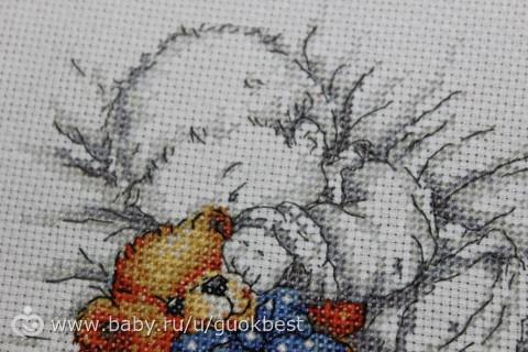 Малыш с мишкой схема вышивка